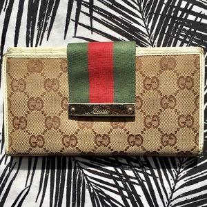 Gucci Bags - Gucci Stripe Wallet